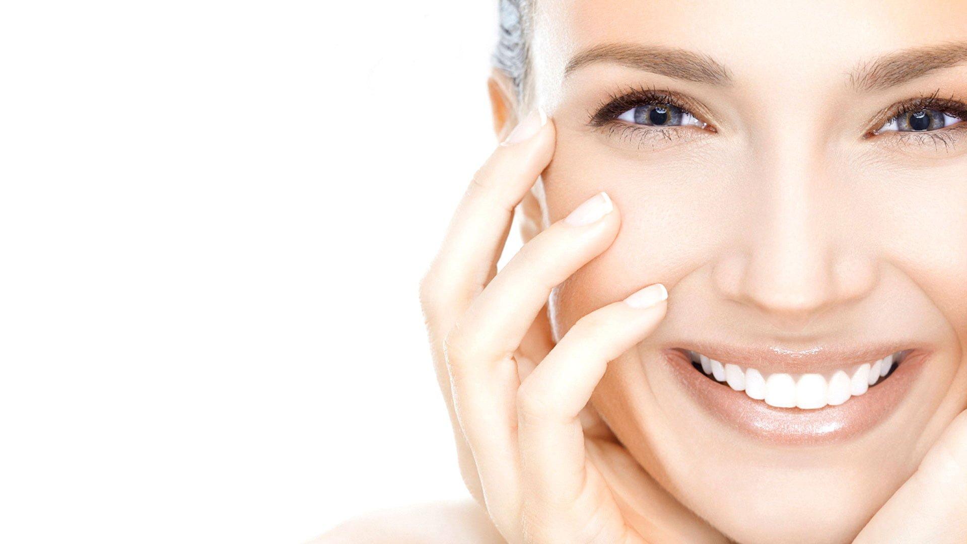 8 نشانه بیماری که همه آنها را میتوان از چهره افراد تشخیص داد