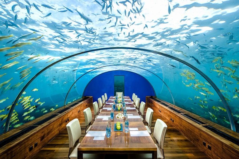 رستوران زیر زمینی