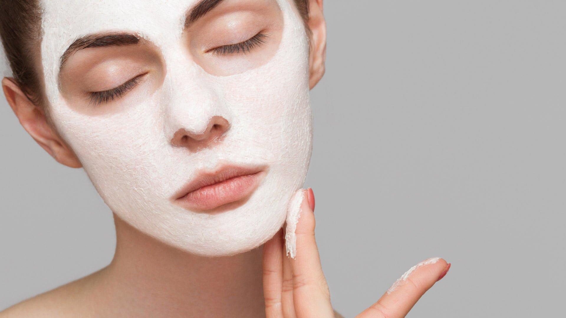 5 راه پیشنهادی ساده برای درست کردن ماسک صورت خانگی