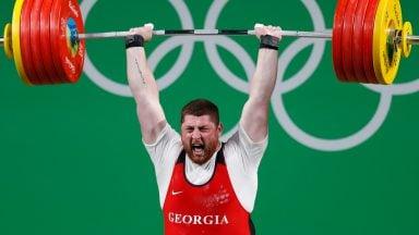 رکورد وزنهبرداری