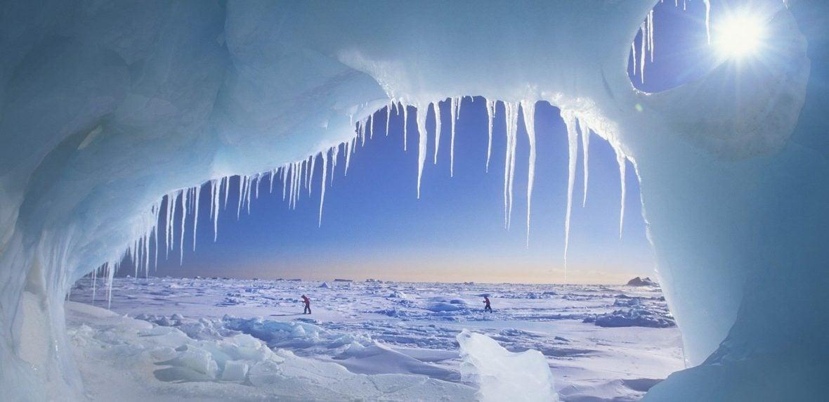 ماجراجویی در غارهای یخی