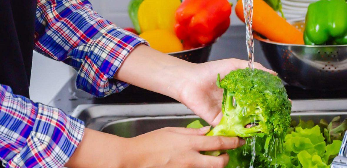 شستن میوه و سبزیجات