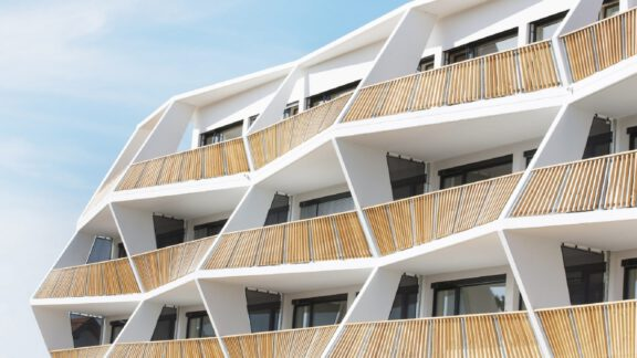10 بالکن جسورانه ساختمانهای مسکونی