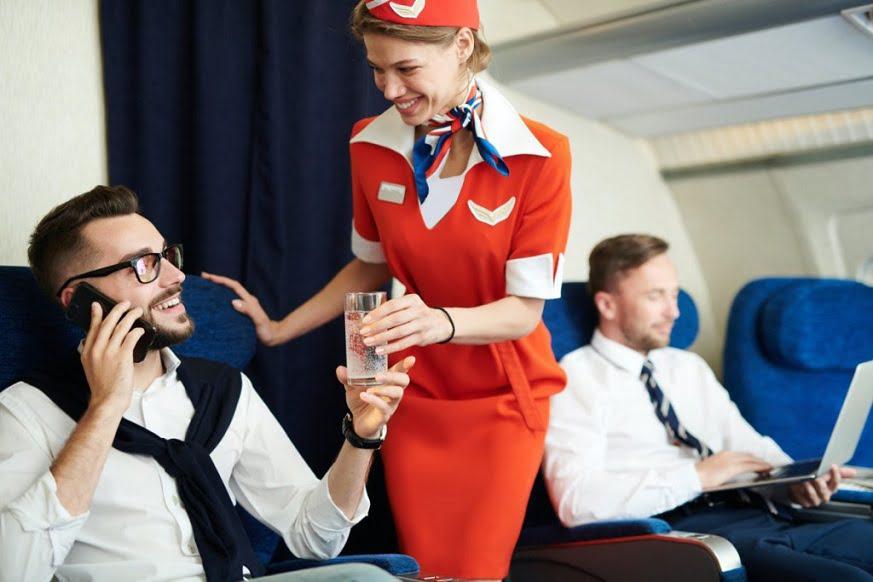 سفرهای هوایی با ویروس کرونا - 4. دیگر از نوشیدنیهای متنوع الکلی خبری نیست