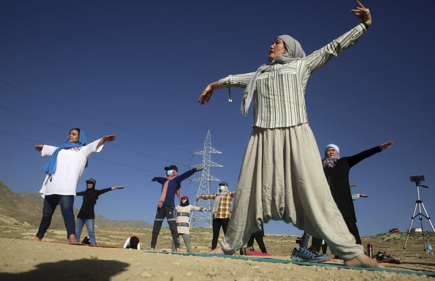 یوگا در افغانستان