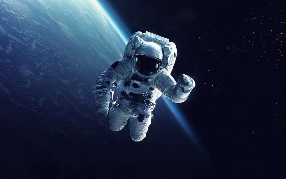 20 نمونه دانش طبیعی - 14. قد فضانوردان در فضا تا دو اینچ رشد میکند.
