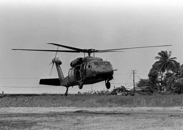 تاریخچه هواپیماهای نظامی آمریکا - 34. Sikorsky UH-60 Black Hawk
