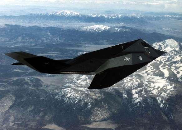 تاریخچه هواپیماهای نظامی آمریکا - 35. F-117 Nighthawk