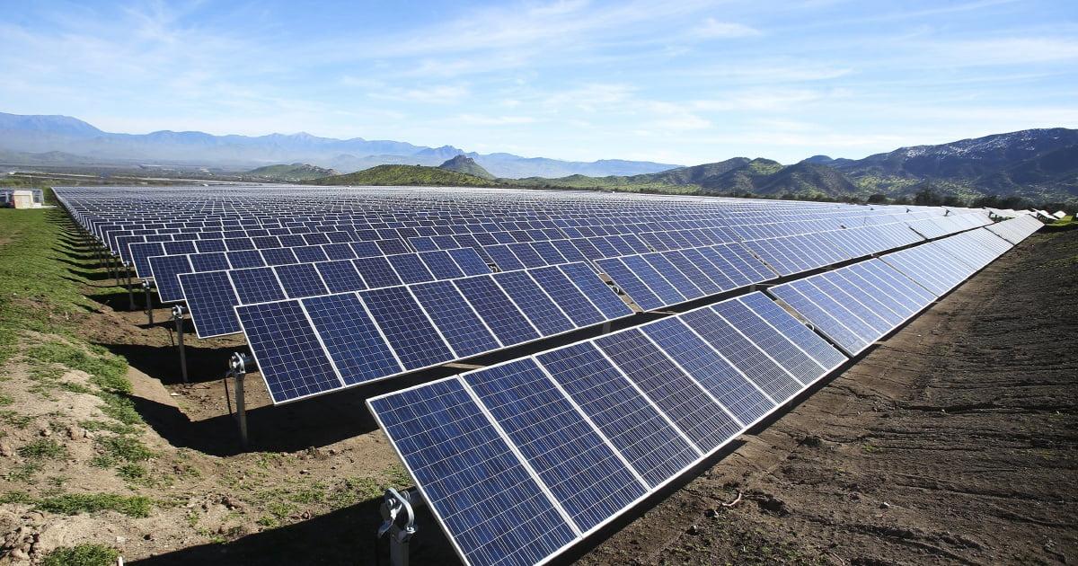 5. از پنلهای خورشیدی استفاده کنید