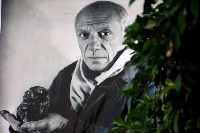 20 دانش عمومی از سراسر جهان - 14. نام کامل پیکاسو 23 کلمه بود. Pablo Diego José Francisco de Paula Juan Nepomuceno María de los Remedios Cipriano de la Santísima Trinidad Martyr Patricio Clito Ruíz y Picasso.