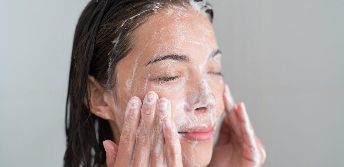 شست و شوی صورت با صابون