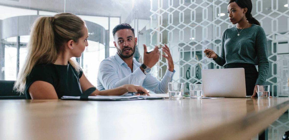 سوالات اشتباه برای آغاز گفتگو در یک جلسه کاری