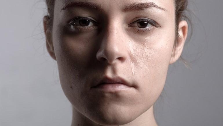 گریه کردن بدون دلیل