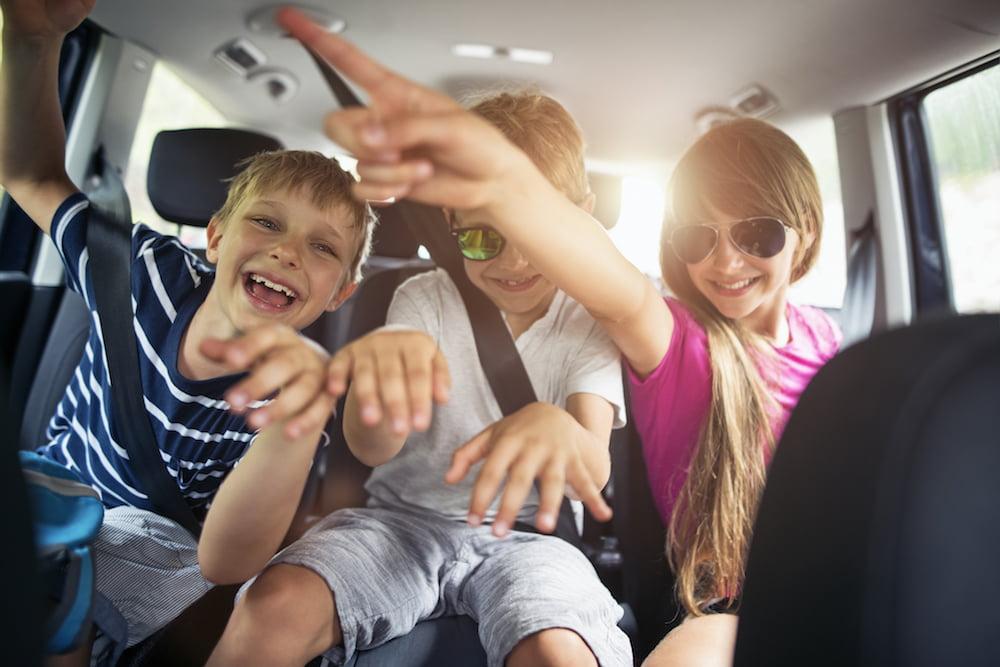 5 بازی کودکانه در سفر برای سرگرم شدن آنها در طول مسیر