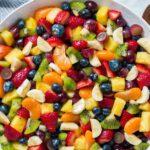 سالاد میوه رنگین کمان با سس عسل و لیمو