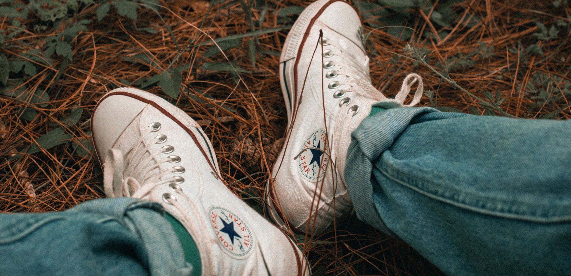 8 ترفند سفید کردن کفش با محصولات خانگی
