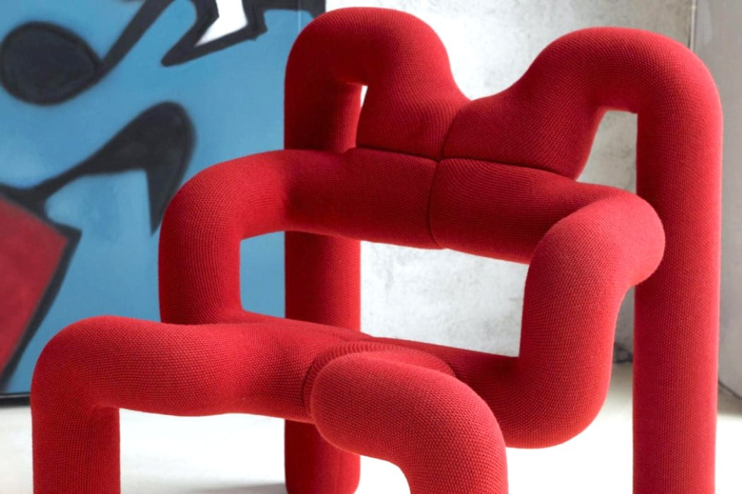 صندلی غیرعادی پست مدرن - رنگ قرمز و انرژی فضاهای شاد
